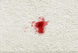 blodfläckar på matta